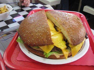 freds-burgers-goliath-on-tray