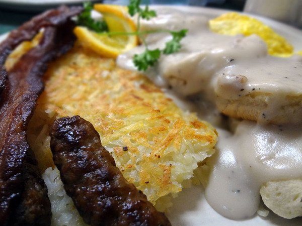 biscuits-n-gravy-hash-browns
