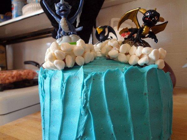 skylanders-cake-angled