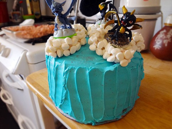 skylanders-cake-finished