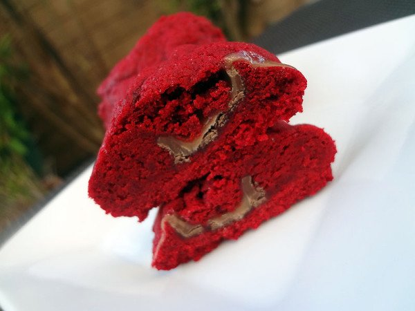 angled-red-velvet-cookies