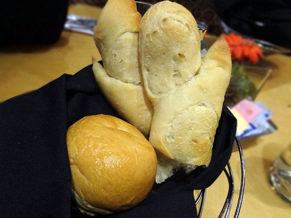 oven-mitt-shaped-bread