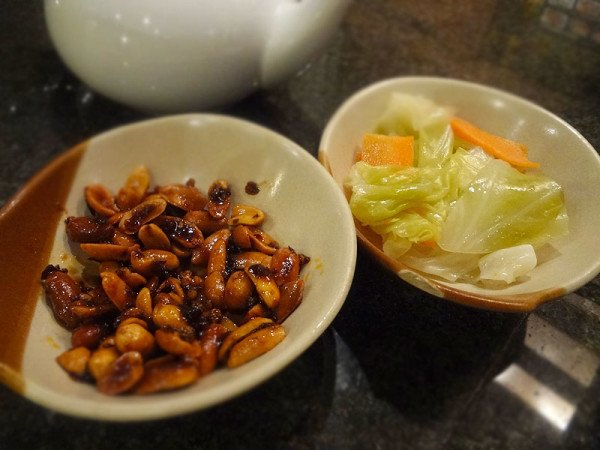 spicy-peanuts-pickled-veggies
