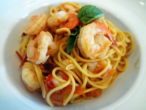 garlic-tomato-sauce-with-shrimp