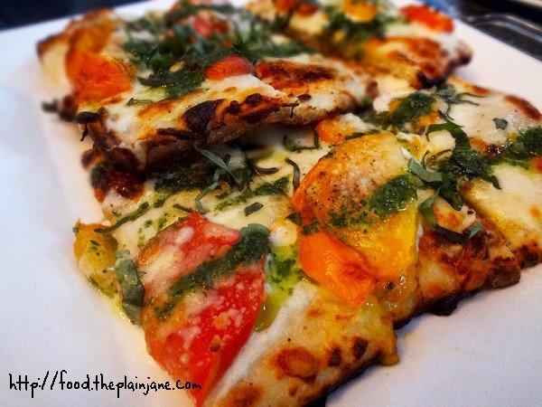 tomato-gruyere-basil-flatbread