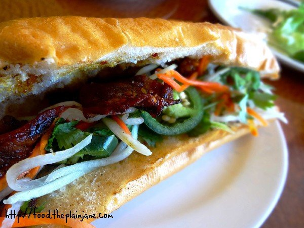 beef-banh-mi-sandwich