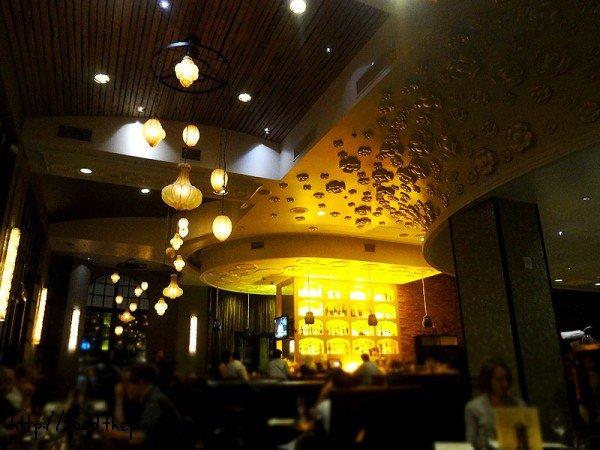 jsix-inside-restaurant