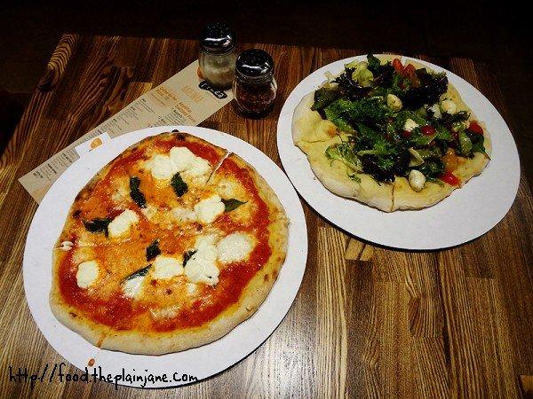 pizza-dinner-social-life-pizza