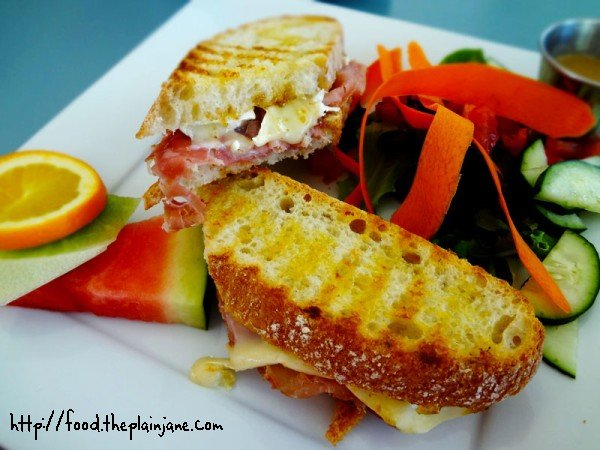 bella-vista-panini-sandwich
