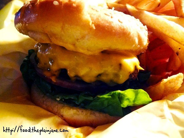 rockys-cheeseburger