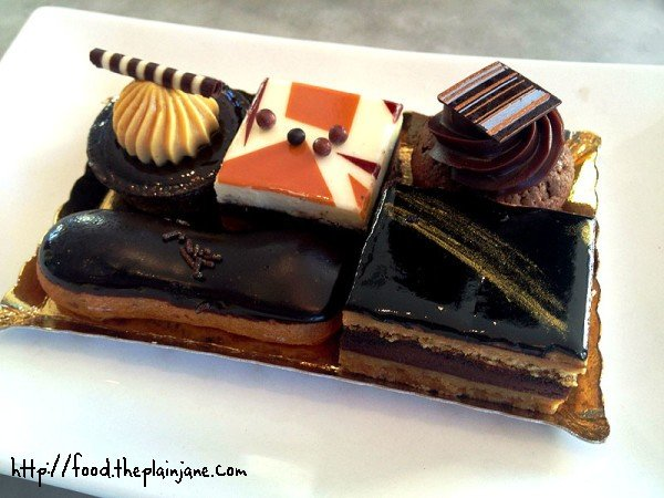 chocolate-assortment-mini-desserts