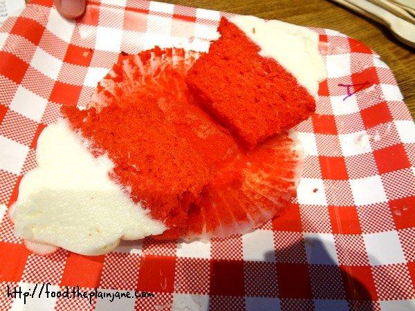 elizabethan-desserts-red-velvet-cupcake-inside