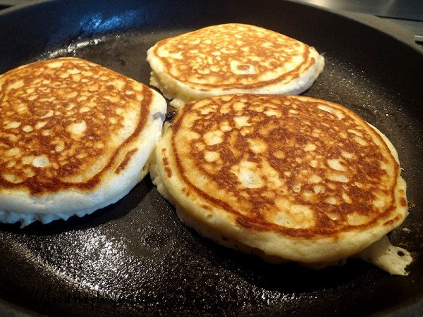 fluffy-homemade-pancakes-with-blueberries