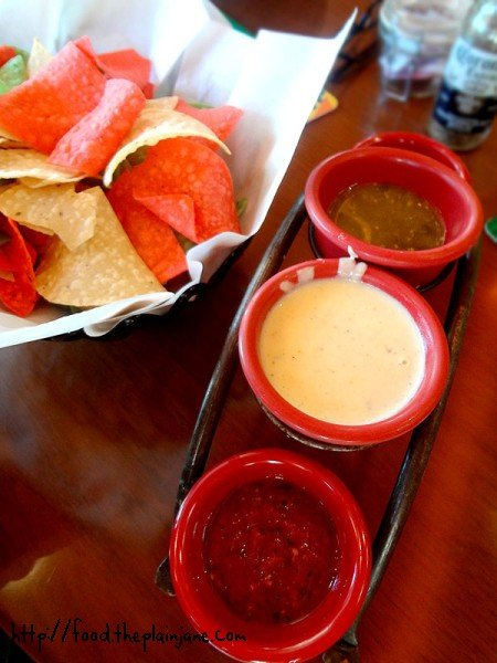 chips-and-salsa-cheese-sauce