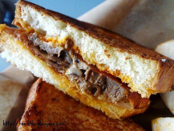 minotaur-bulgogli-sandwich-closeup