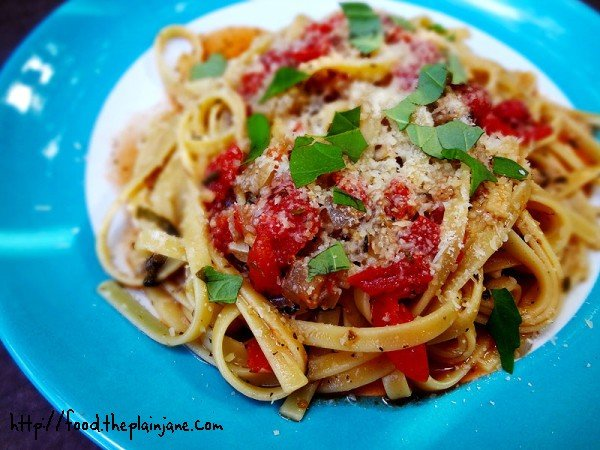 Easy One Pot Tomato Basil Pasta