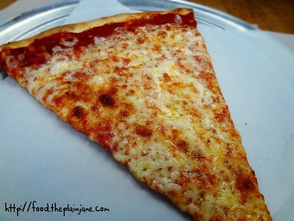 plain-cheese-with-tomato-sauce-slice-pizza