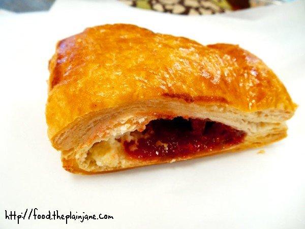 guava-cream-cheese-pastry
