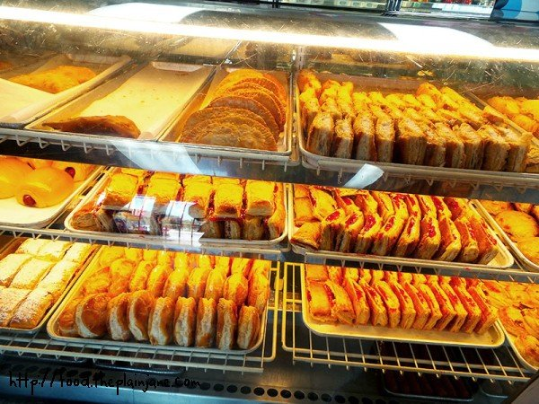 pastries-empanadas-bakery-case