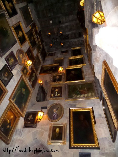 hall-of-portraits