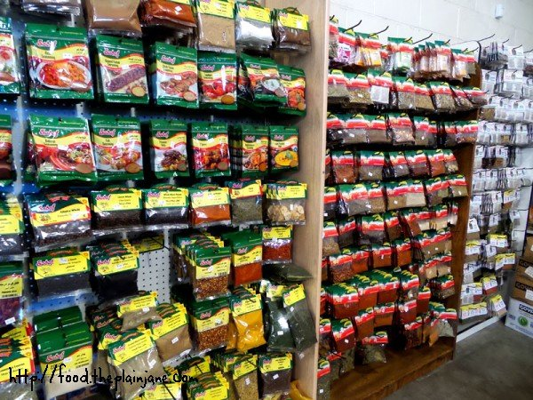 lots-of-spices-farmers-outlet