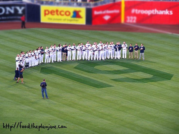 padres-honoring-number-19