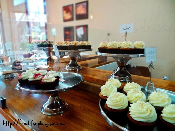 pure-cupcakes-counter-cupcakes