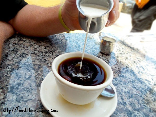 creamer-in-the-coffee